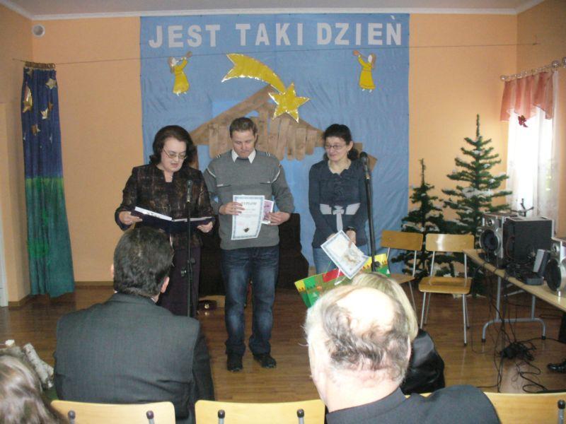 Więcej o: I Konkurs na kartkę o tematyce bożonarodzeniowej w Cergowej