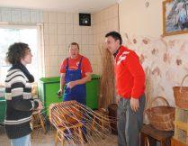 Więcej o: WTZ rehabilituje społecznie i zawodowo – z wizytą w  WTZ w Haczowie