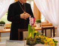Więcej o: Ksiądz Biskup Stanisław Jamrozek z wizytą w naszym Domu