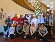 Więcej o Wizyta kolędników z ŚDS Krzywe